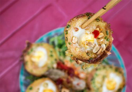 Little Pancake with Egg (Bánh Căn Trứng)