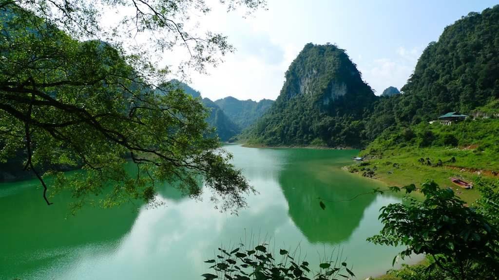 Thang Hen Lake in Cao Bang Vietnam