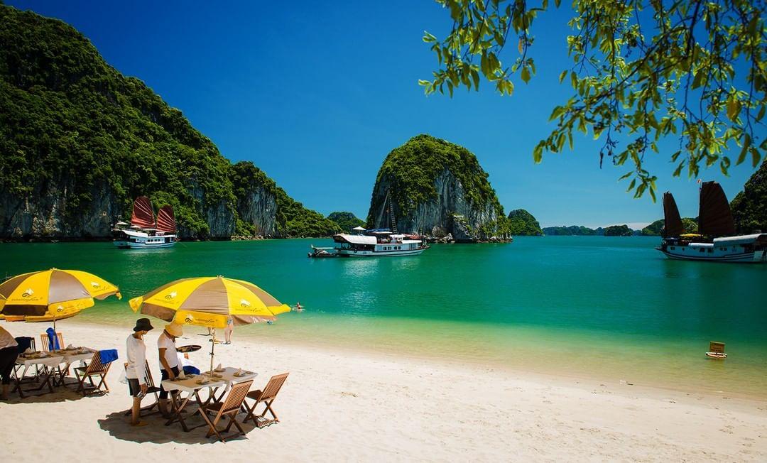 Ba Trai Dao - Three Peaches Beach in Lan Ha Bay
